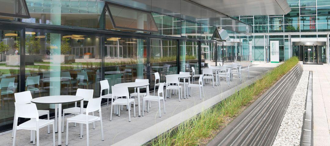 Eingerichteter Außenbereich als Beispiel