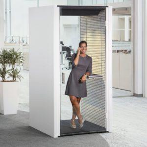 Bosse Telefonzelle mit Glastür und Ablagefläche