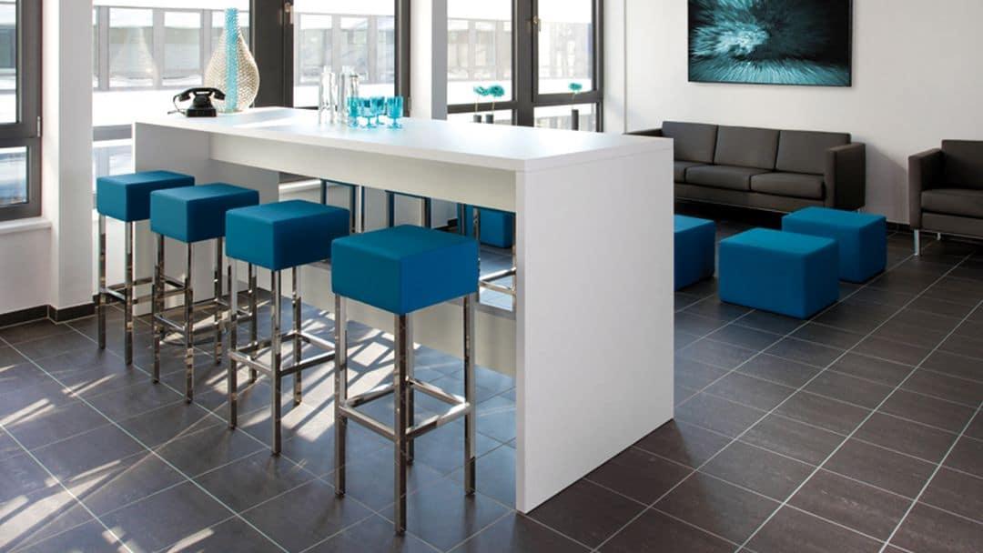 Sitzwürfel und Hocker von SMV