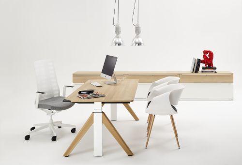 WINI Flow Schreibtisch mit A-Fuß