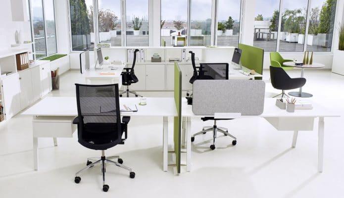 Sox Schreibtisch im Großraumbüro