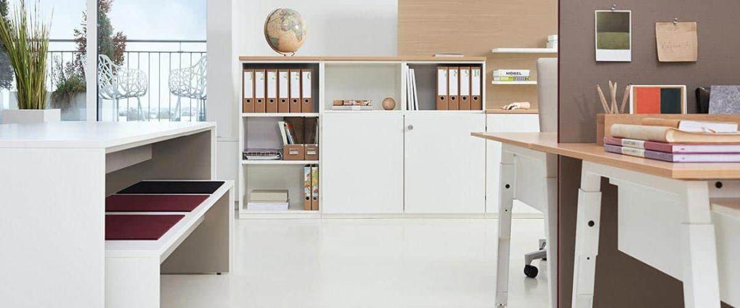 Büroschränke weiß als Kombination unten schließbar und oben als Regal nutzbar
