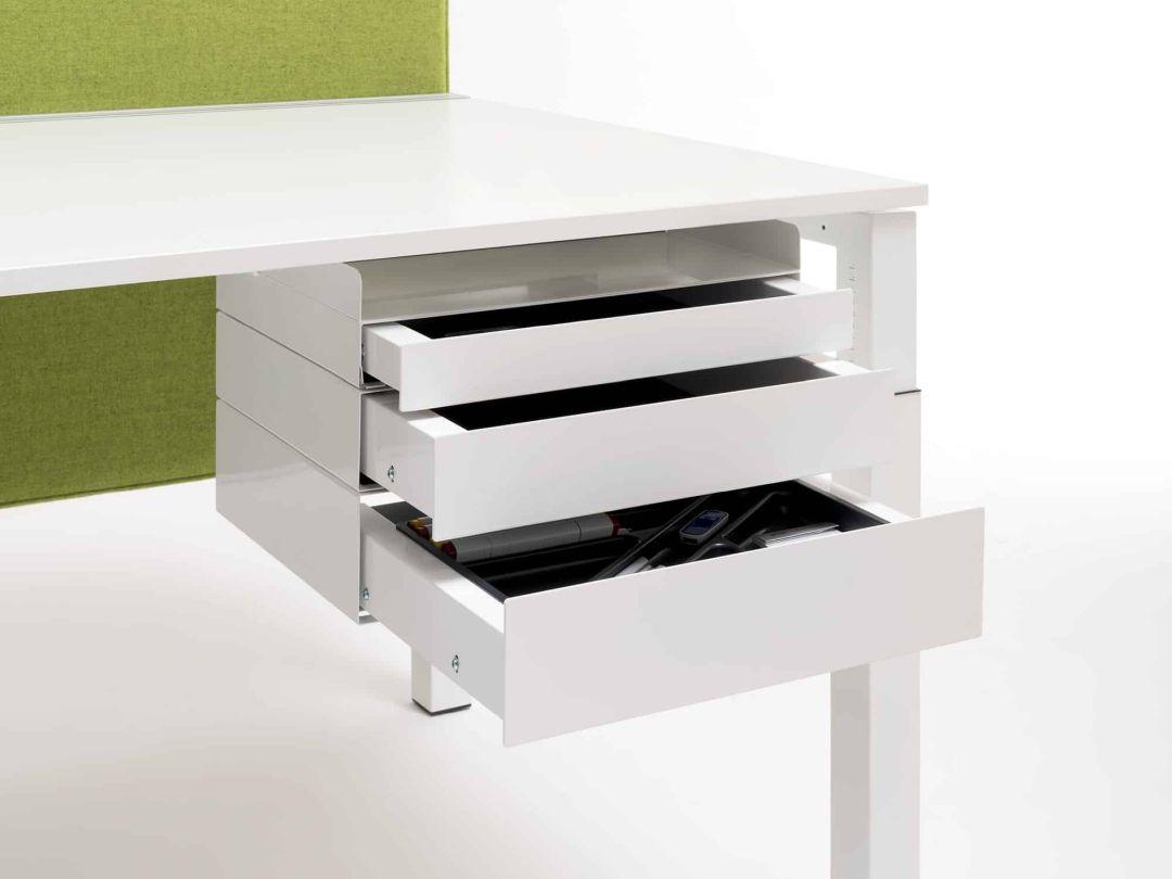Schublade unter Schreibtisch