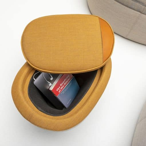 Stauraum der Tonica Sitzwürfel von Casala