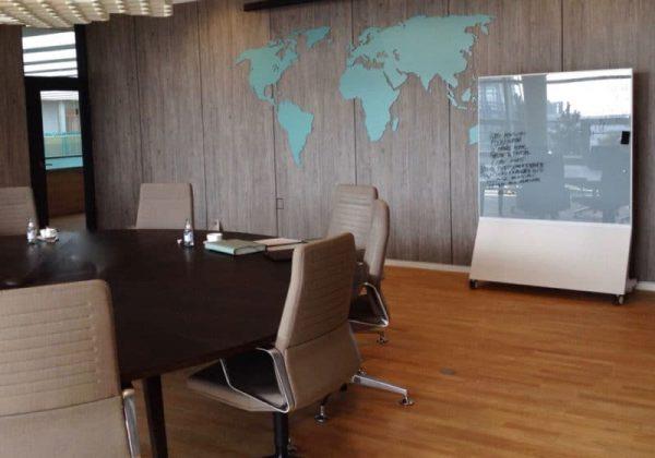 Glastafel Mobile magnetisch und beschreibbar für Konferenzraum