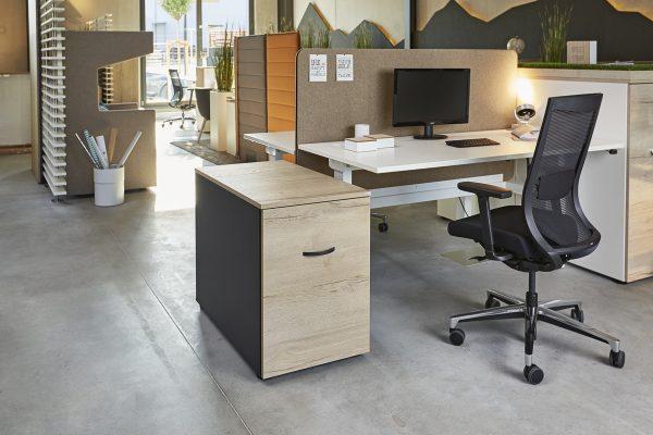 FEBRÜ Low-Container neben Schreibtisch