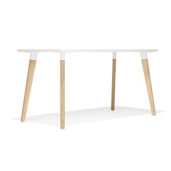 Konferenztisch San Siro Holzbeine von Kusch&Co mit weißer Tischplatte
