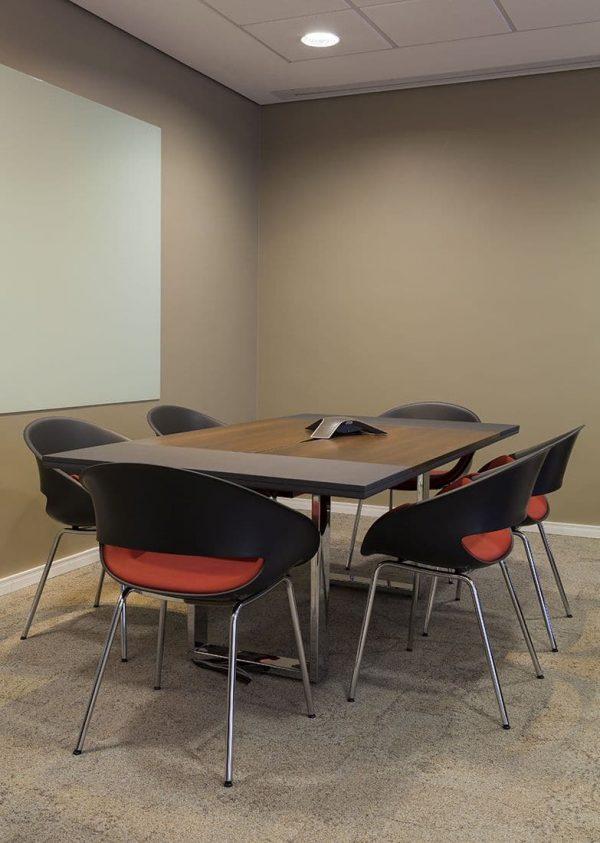 Volpino Konferenzstühlen als 4-Fuß