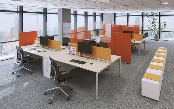 Oka Protect Acryglas-Wand hängend im Büro
