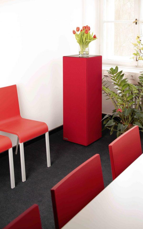 Roter Akustikturm von Phoneon für den Wartebereich