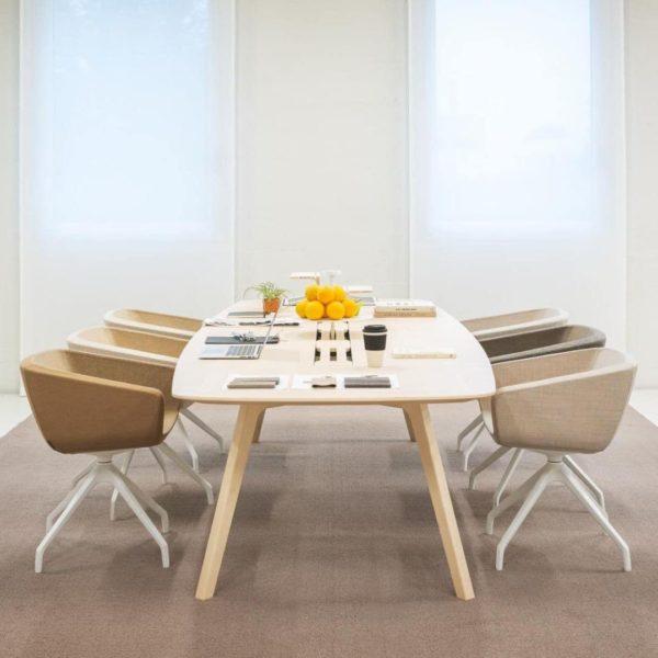 Koneenztisch Wing von True Design komplett aus Eiche Holz