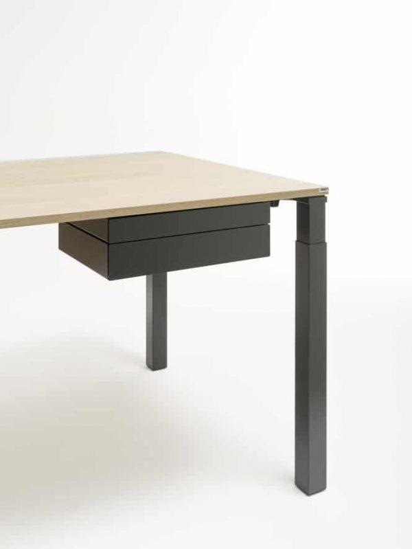 MyBox von WINI unter der Tischplatte