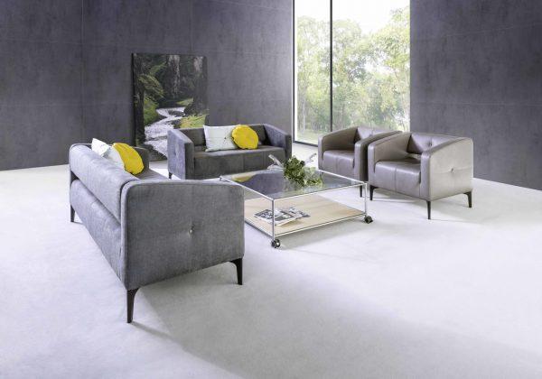 Loungebereich mit dem Destino Sofa und Sessel